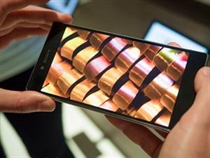 """10 smartphone nét """"chói mắt"""" nhất thị trường"""