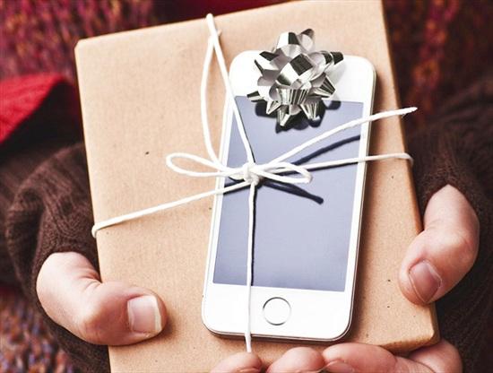 """Apple cho Samsung """"ngửi khói"""" dịp Giáng sinh"""