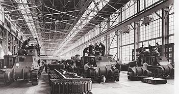 Khám phá dây chuyền sản xuất xe tăng Thế chiến II của Mỹ