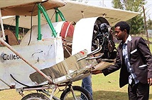 Chỉ nhờ xem video trên YouTube, một người đàn ông Ethiopia đã tự chế máy bay cho riêng mình