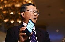 Priv chìm xuồng, BlackBerry sẽ buông mảng phần cứng?