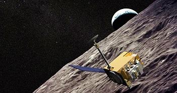 NASA thừa nhận tàu vũ trụ bị UFO đâm trúng