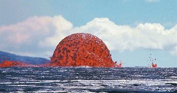 """""""Con quái vật"""" hiện hình ngay trên biển với sức hủy diệt kinh hoàng"""