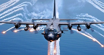 """10 máy bay """"tốn cơm nuôi"""" nhất của quân đội Mỹ"""