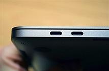 Các cổng Thunderbolt 3 trên Macbook Pro 13 inch không đồng nhất