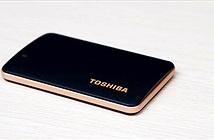 AMC giới thiệu ổ cứng gắn ngoài SSD Toshiba X10 nhỏ hơn cả thẻ ATM