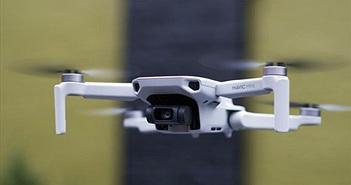 DJI ra mắt Mavic Mini: nặng 250g, bay 30 phút, giá 399 USD